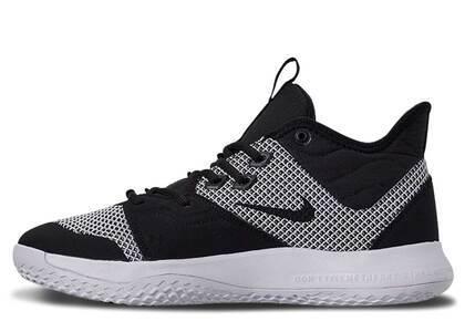 Nike PG 3 Monochromeの写真