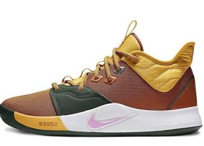 Nike PG 3 ACGの写真