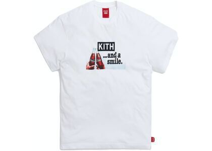 Kith x Coca-Cola Smile Vintage Tee White の写真
