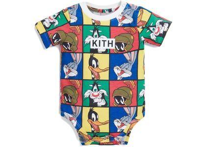 Kith Kids x Looney Tunes AOP Baby Onesie White/Multi の写真