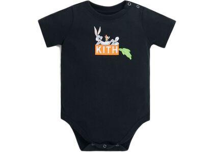 Kith Kids x Looney Tunes Bugs Classic Logo Baby Onesie Black の写真