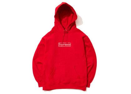 Supreme KAWS Chalk Logo Hooded Sweatshirt Redの写真