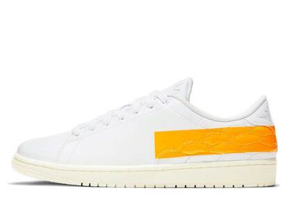 Nike Air Jordan 1 Center Court White University Goldの写真