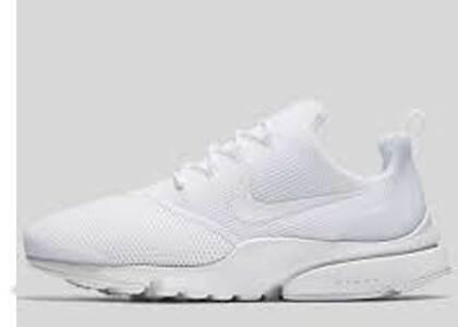 Nike Presto Fly Triple Whiteの写真