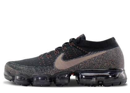 Nike Air VaporMax Black Dark Mushroomの写真