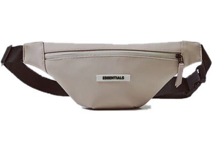 ESSENTIALS Waterproof Sling Bag Tanの写真