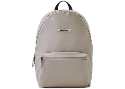 ESSENTIALS Waterproof Backpack Tanの写真