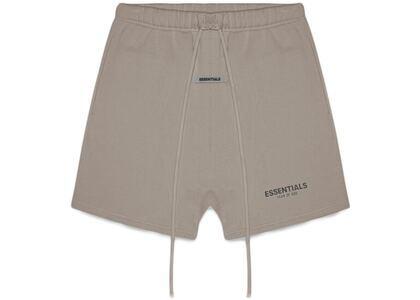 ESSENTIALS Fleece Shorts Taupeの写真