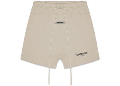 ESSENTIALS Fleece Shorts Olive/Khakiの写真