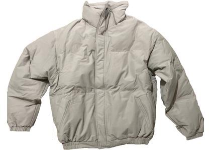 ESSENTIALS Puffer Jacket Greyの写真