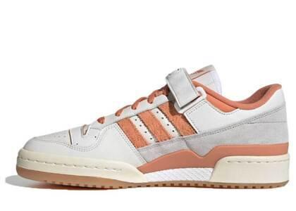 Adidas Forum 84 Low White Hazy Copperの写真