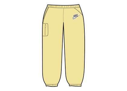 Supreme Nike Cargo Sweatpant Pale Yellow (SS21)の写真