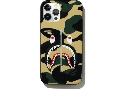 Bape 1st Camo Shark iPhone 12/12 Pro Case Yellow (SS21)の写真