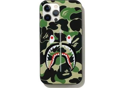 Bape ABC Camo Shark iPhone 12/12 Pro Case Green (SS21)の写真