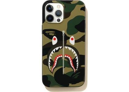 Bape 1st Camo Shark iPhone Pro Max Case Green (SS21)の写真