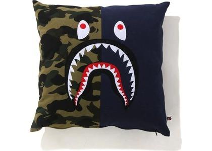 Bape 1st Camo Shark Square Cushion Navy (SS21)の写真
