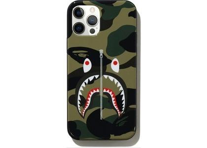 Bape 1st Camo Shark iPhone 12/12 Pro Case Green (SS21)の写真