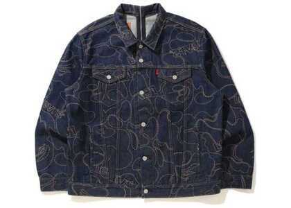 Bape x Levi's Camo Trucker Jacket Indigo (SS21)の写真