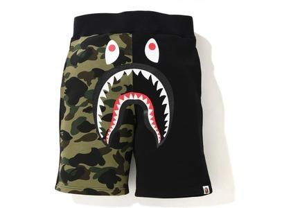 Bape Shark Sweat Shorts Black Camo (SS21)の写真
