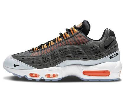 Kim Jones × Nike Air Max 95 Total Orangeの写真