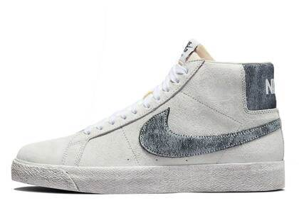 Nike SB Blazer Mid Faded Whiteの写真