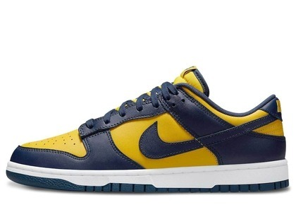Nike Dunk Low Michigan (2021)の写真