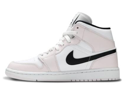 Nike Air Jordan 1 Mid Barely Rose Womensの写真