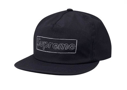 Supreme KAWS Chalk Logo 5-Panel Navy  (SS21)の写真