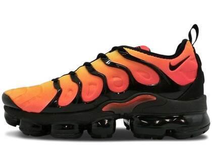 Nike Air VaporMax Plus Black Orange Crimsonの写真