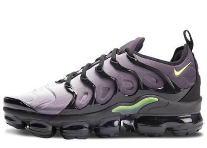 Nike Air VaporMax Plus Black Voltの写真