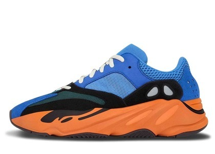 Adidas Yeezy Boost 700 Bright Blueの写真