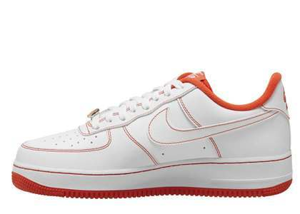 Nike Air Force 1 07 LV8 EMB Rucker Parkの写真