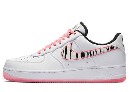 Nike Air Force 1 Low White Tigerの写真