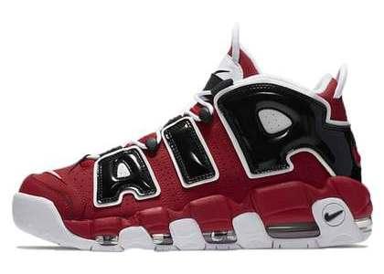 Nike Air More Uptempo 96 Bullsの写真