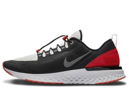 Nike Odyssey React Shield Wet Hotの写真