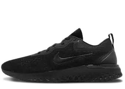 Nike Odyssey React Triple Blackの写真