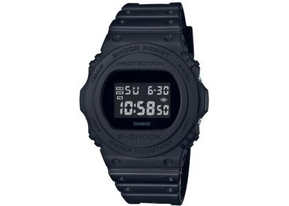 Casio G-Shock DW5750E-1B - 49mm in Resin の写真