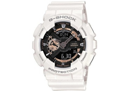 Casio G-Shock Chinese Zodiac Year of Rooster Limited Edition GA-110RG-7CNY17 - 48mm in Resin の写真