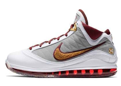 Nike LeBron 7 MVPの写真