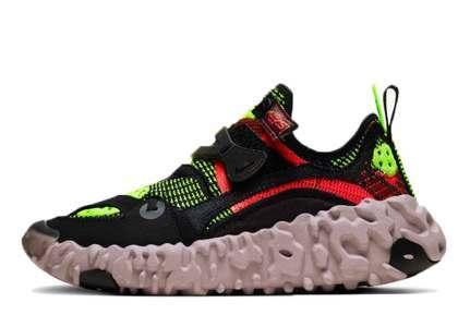 Nike ISPA OverReact Flyknit Crimson Voltの写真