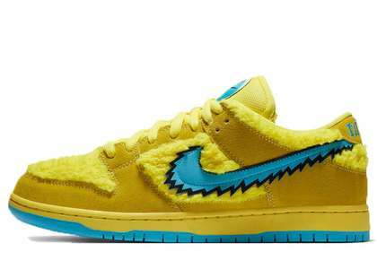 Grateful Dead x Nike SB Dunk Low Yellow Bearの写真