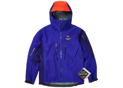 Palace Arc'Teryx Alpha SV Jacket Blue  (FW20)の写真