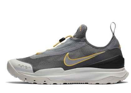 Nike ACG Zoom Air AO Smoke Greyの写真