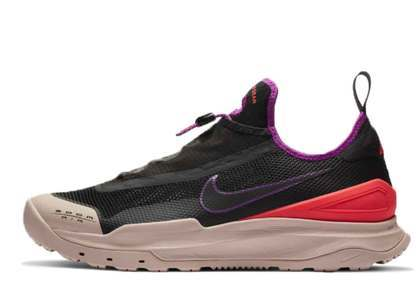 Nike ACG Zoom Air AO Laser Crimsonの写真