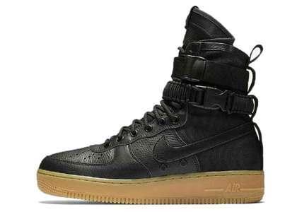 Nike SF Air Force 1 Black Gum の写真