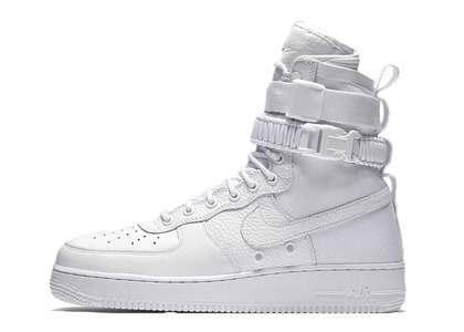 Nike SF Air Force 1 Triple Whiteの写真