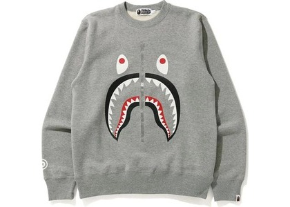 Bape Shark Crewneck Gray (FW20)の写真