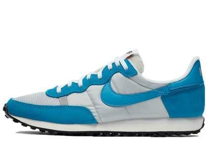 Nike Challenger OG Laser Blueの写真