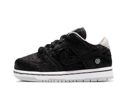 Medicom Toy × Nike SB Dunk Low Pro BE@RBRICK TDの写真