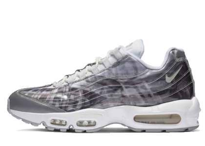 Nike Air Max 95 DNA Sailの写真